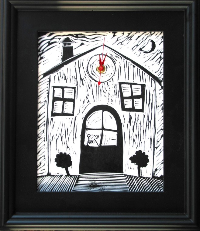 dog_house_in_black_frame